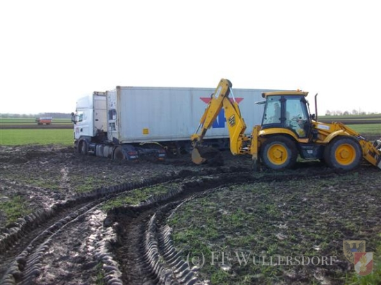 LKW_Bergung_17_April_2012_thumb